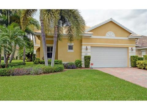 1226 River Reach Dr, Vero Beach, FL 32967
