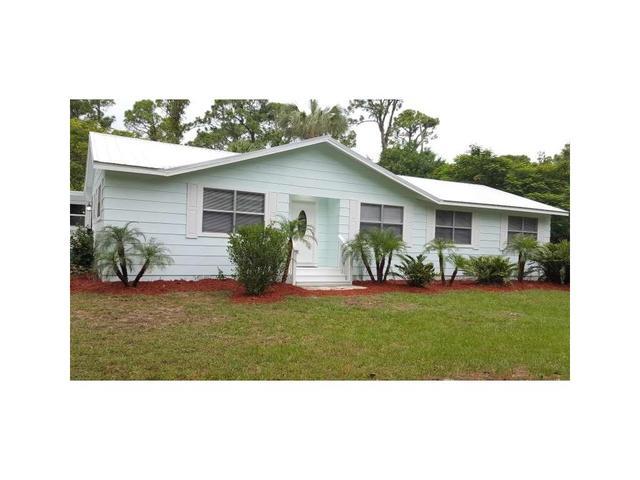 8205 93rd Ave, Vero Beach, FL 32967