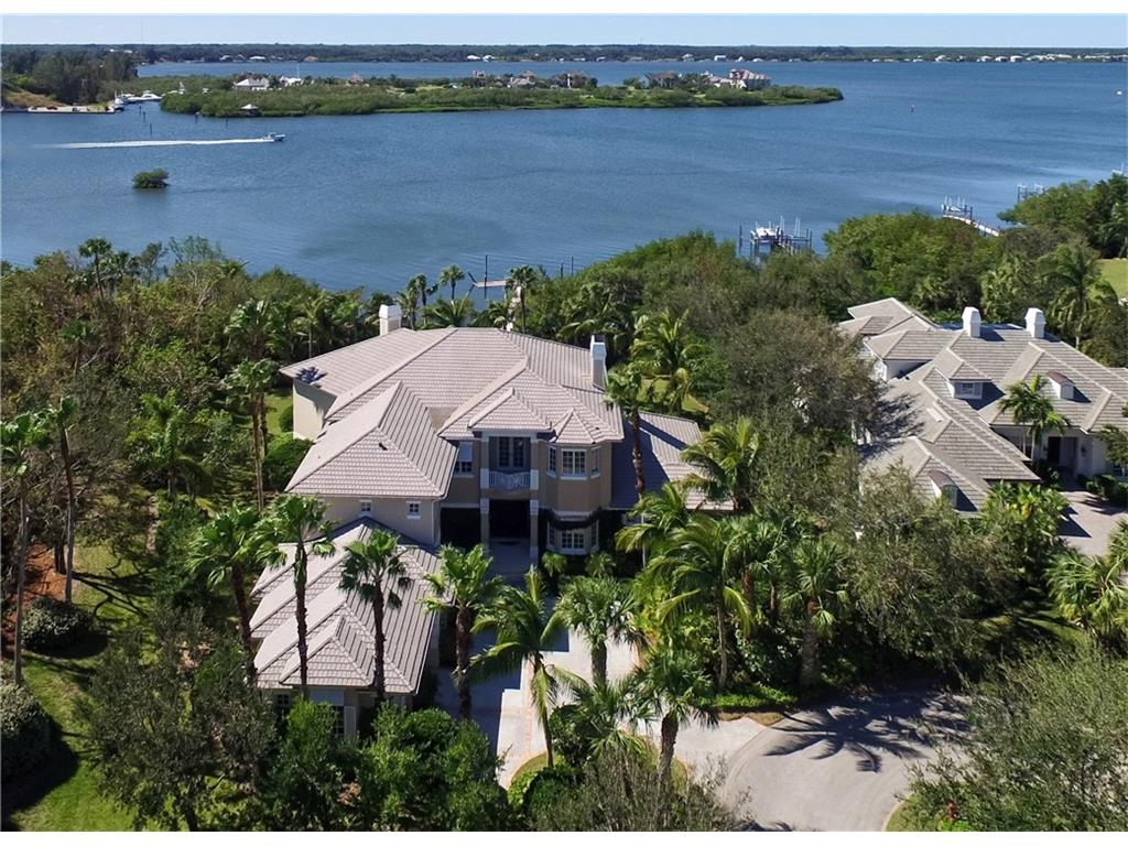 701 Grove Place, Vero Beach, FL 32963