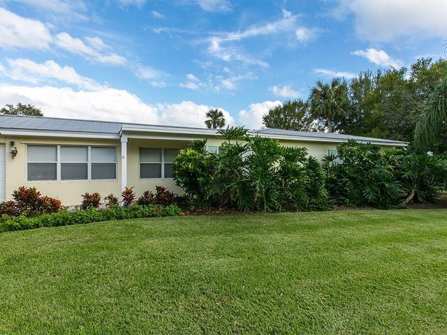 2506 Fairway Dr, Vero Beach, FL 32960