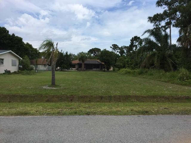 7204 Pacific Ave, Fort Pierce, FL 34951