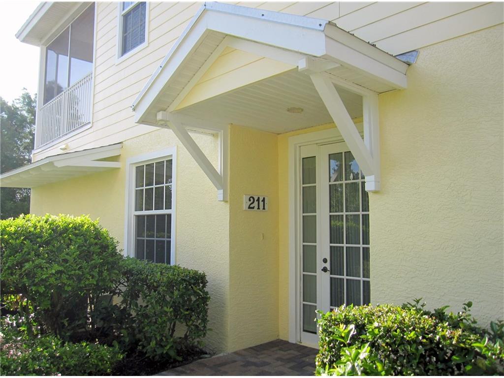 2340 Water Oak Court SW #211, Vero Beach, FL 32962