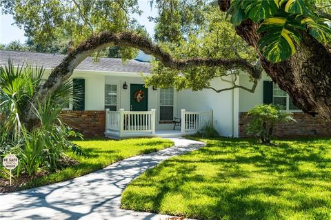 3906 Sabal Palm Dr, Vero Beach, FL (36 Photos) MLS# 209051 - Movoto
