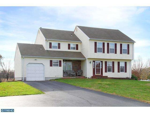 15 Spring Hill Dr, Woolwich Township, NJ 08085