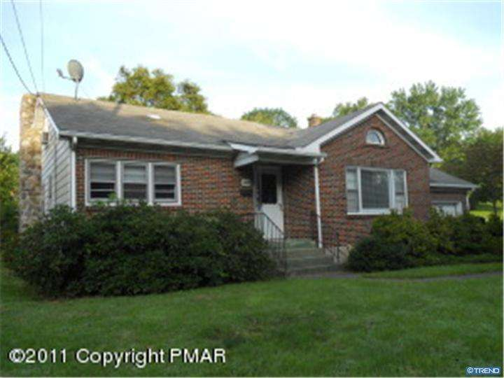 1163 Chipperfield Dr, Stroudsburg, PA