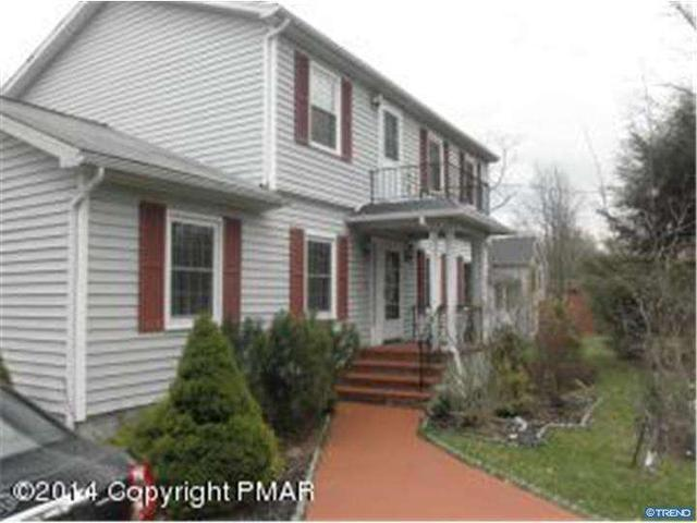 166 Overland Dr, Long Pond, PA