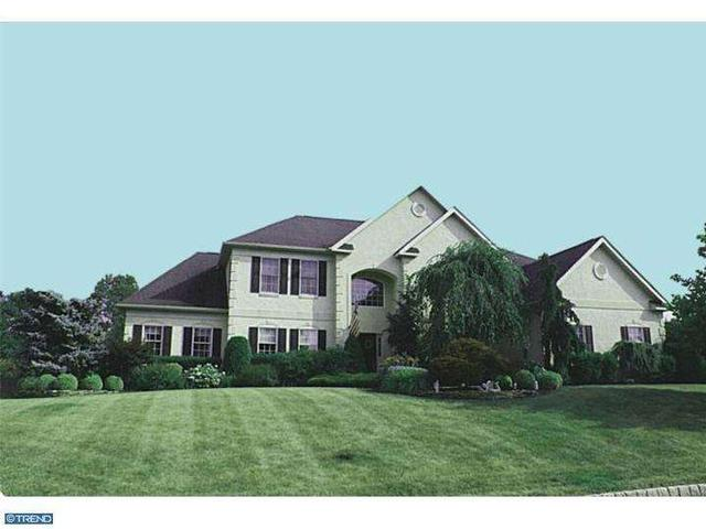230 Country Club Dr, Moorestown, NJ