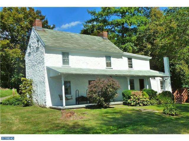 584 E Avondale Rd, West Grove PA 19390