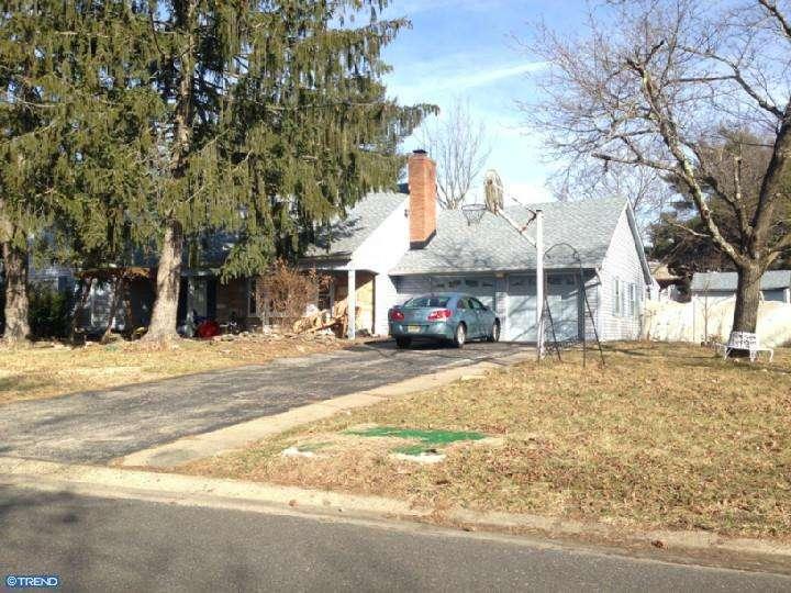 1 Courtland Ln, Willingboro, NJ