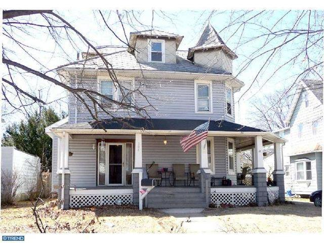 208 Delaware Ave, Riverside, NJ 08075