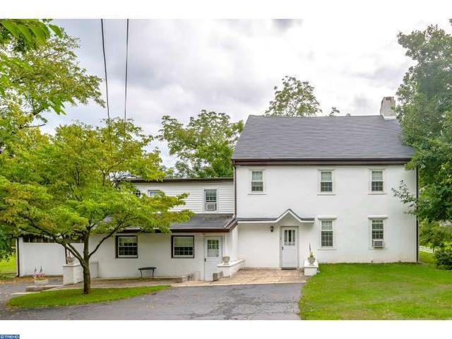 863 W Maple Dr, Southampton, PA