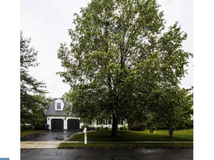 19 Franklin Drive, Plainsboro, NJ 08536
