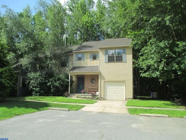 12 Regent Ct, Medford, NJ 08055