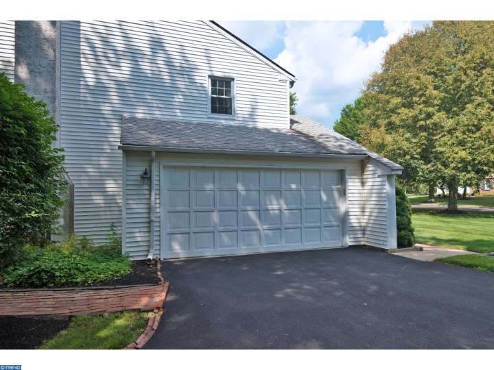 5814 Village Ln, Doylestown, PA