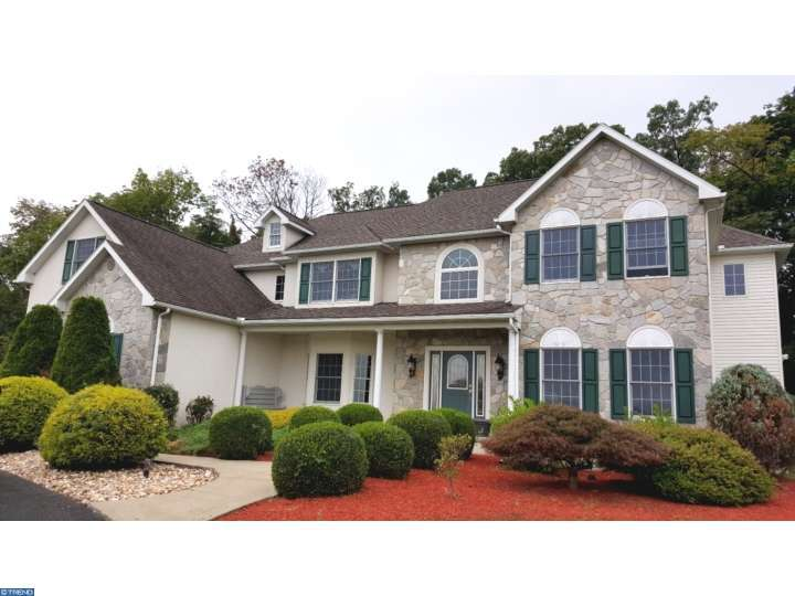122 Peacock Rd, Mohrsville, PA