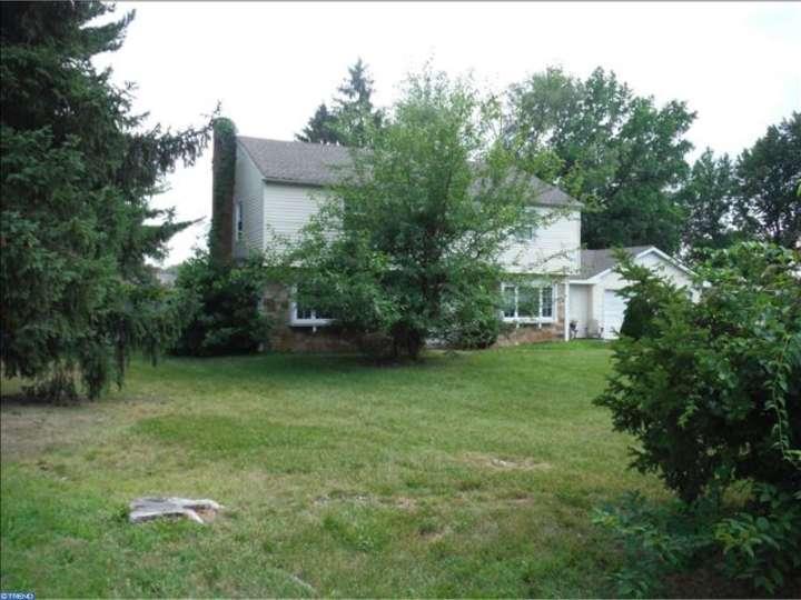 68 Courtland Ln, Willingboro, NJ