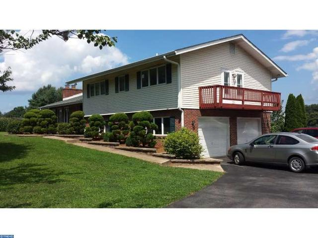 110 Woodcrest Rd West Grove, PA 19390