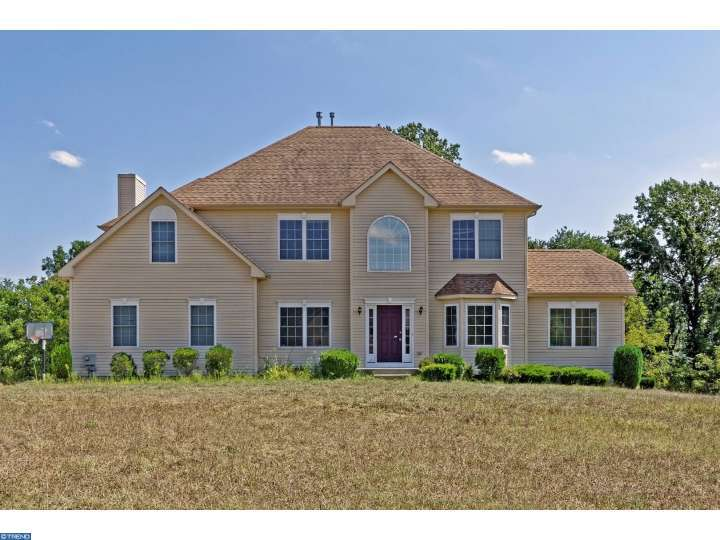 333 Nicklaus Ct, Swedesboro, NJ 08085
