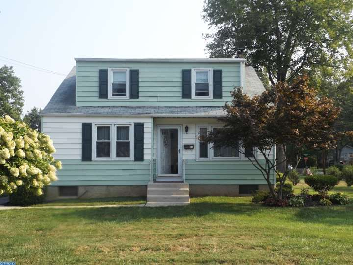 411 Maple St, Warminster, PA