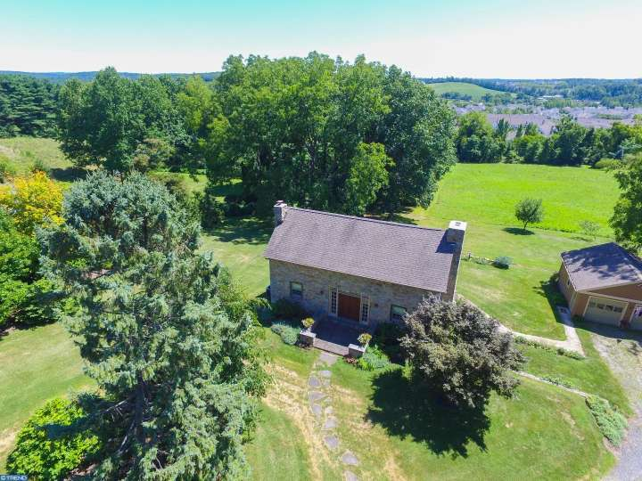 452 Black Horse Rd, Chester Springs, PA