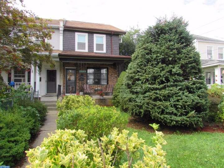 608 Maple Ave, Philadelphia, PA