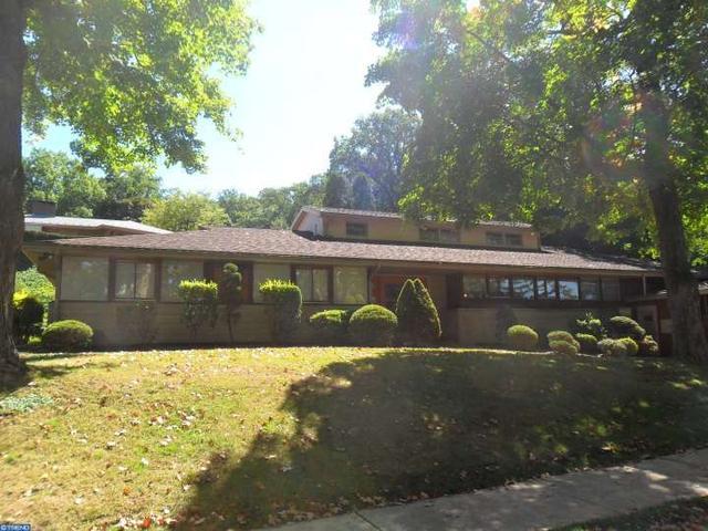 1635 Mahantongo St, Pottsville PA 17901