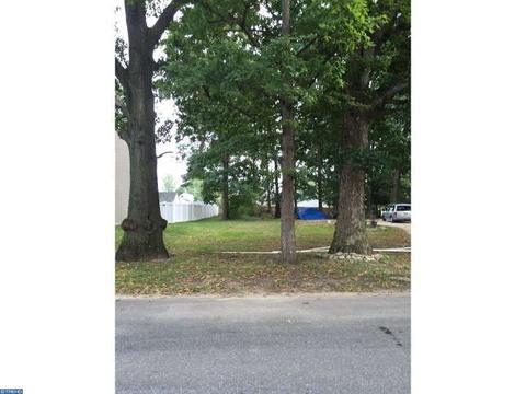 613 Woodland Ave, Westville, NJ 08093