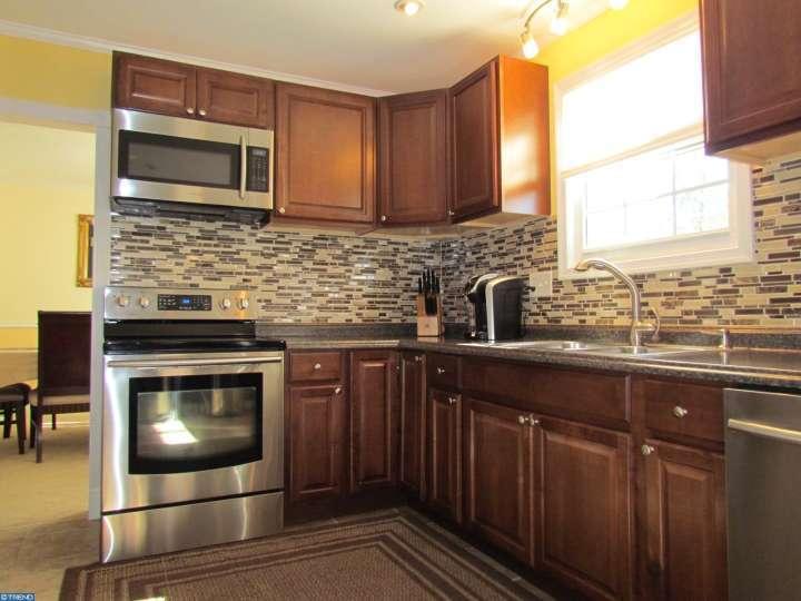 608 Arlington Rd, Fairless Hills, PA