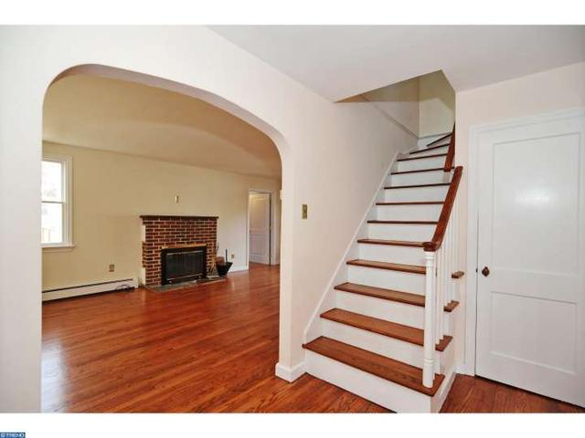 43 Henry Ave, Collegeville PA 19426
