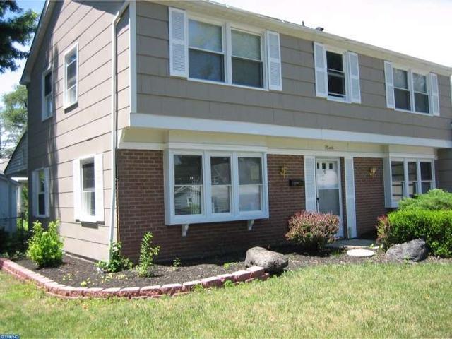 9 Galton Ln, Willingboro, NJ 08046