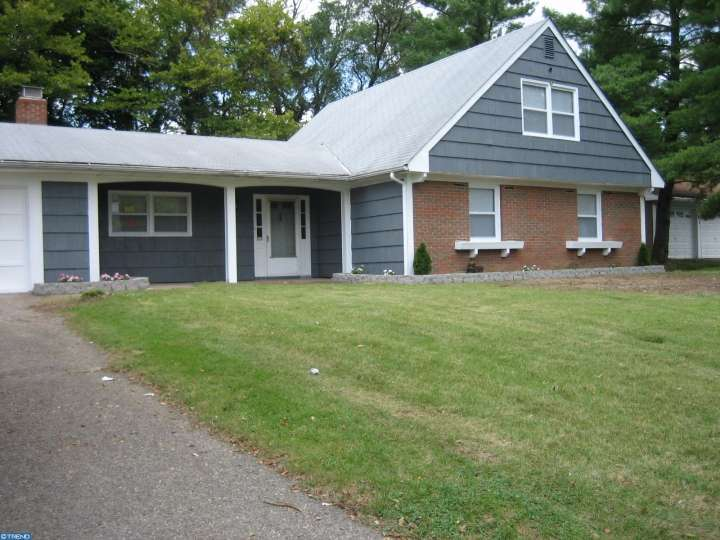 67 Club House Dr, Willingboro, NJ