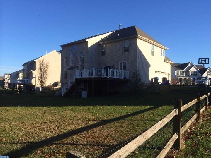 241 Eagle Glen Dr, Coatesville, PA