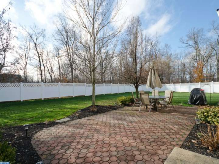 6128 Hearthstone Dr, Pipersville, PA