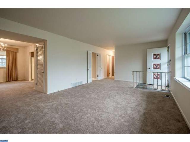 1245 Hoffman Rd, Ambler PA 19002