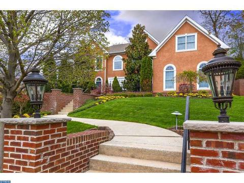 108 Mountainview Rd, Mount Laurel, NJ 08054