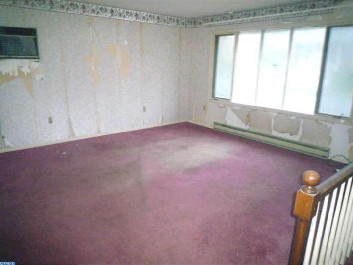 212 Lilac Ln, Douglassville, PA