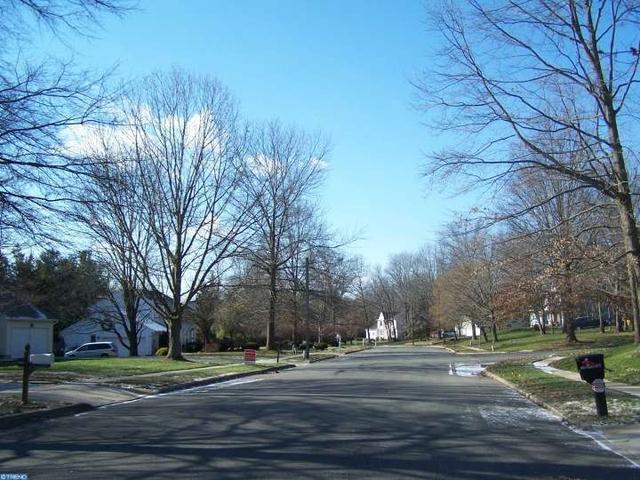 10 Birch Run Ct, Trenton NJ 08628