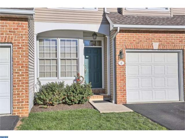 4 Wyomissing Ct, Reading PA 19610