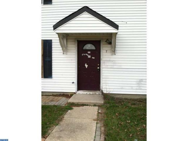 7 Melwood Ct, Sicklerville NJ 08081