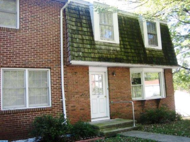 17 Yorktowne Rd, Pottsville PA 17901