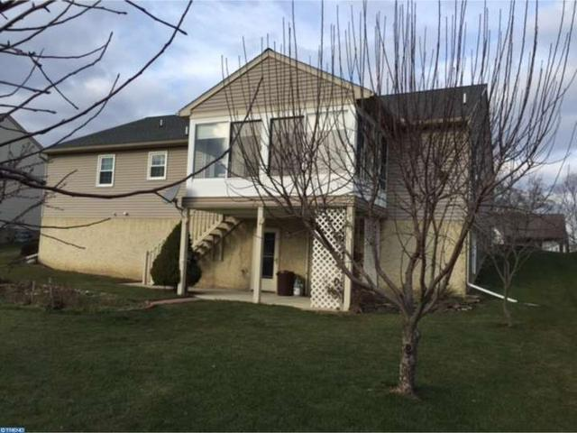8 Greenbriar Dr Myerstown, PA 17067