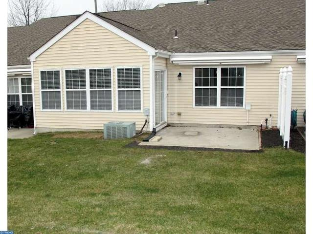 14 Yarrow Pl, Mount Laurel NJ 08054