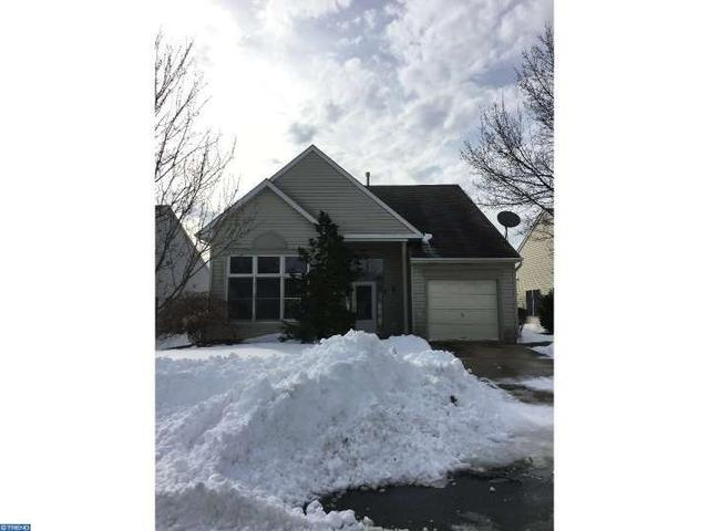 7 Country Ln Columbus, NJ 08022