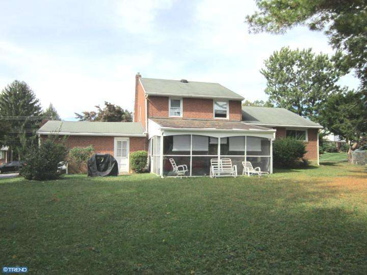 802 Lincoln Dr, Brookhaven, PA