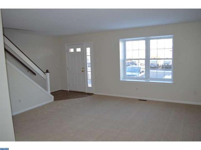 152 Bradbury Rd, Brookhaven PA 19015