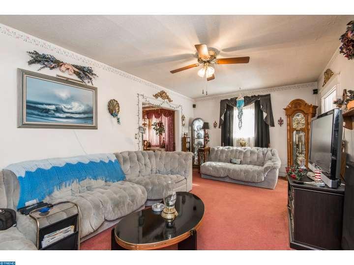 251 E Roland Rd, Brookhaven, PA