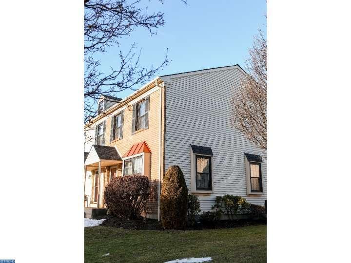402 Carpenter Cir, Brookhaven, PA