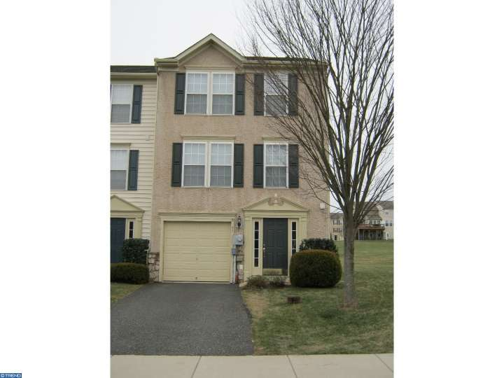 25 Dare Ln, Pottstown, PA