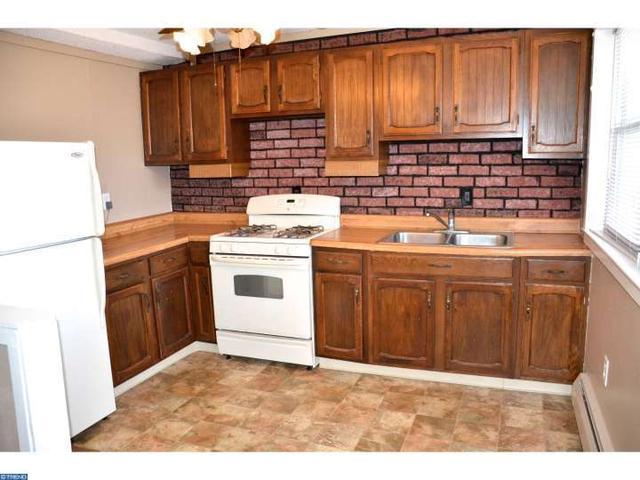 1359 Crown Point Rd, Westville NJ 08093