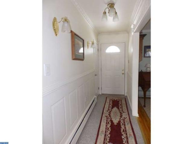 8 Tower Hill Rd, Chalfont PA 18914